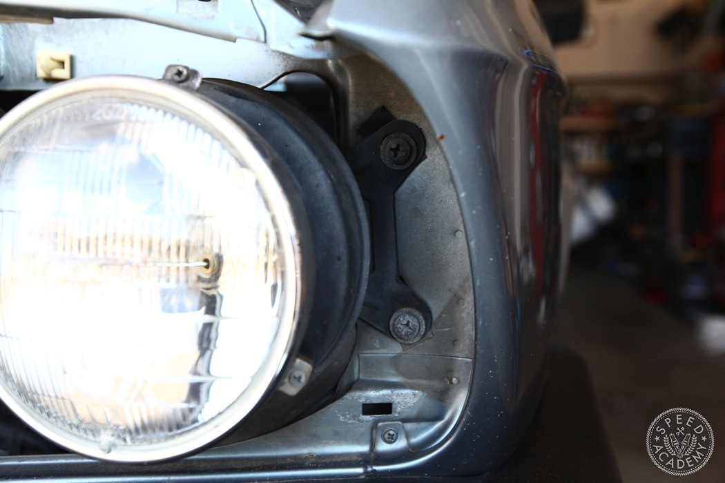 BMW-e28-euro-headlight-conversion-06