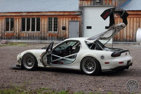 Mazda-RX7-FD-roll-cage-028