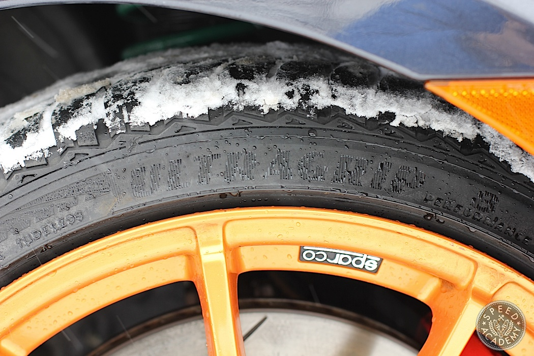 Goodyear-UltraGrip8-04