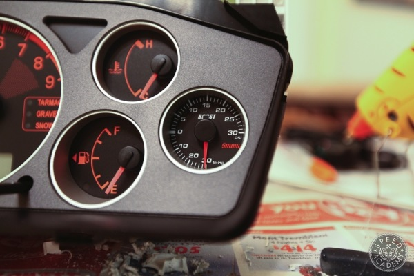 Omori-boost-gauge-install-howto026