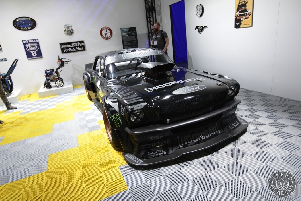 2014 sema show top 10 favorite cars day 1 speed academy - Hoonicorn specs ...