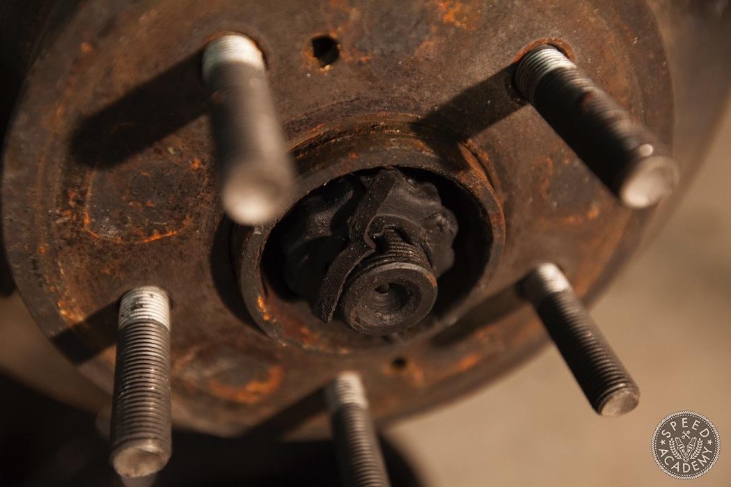 nissan-300ZX-Rear-brake-conversion-005