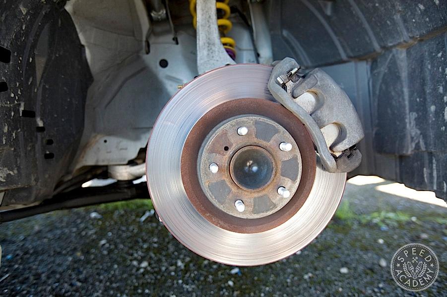 2005 infiniti g35 brakes