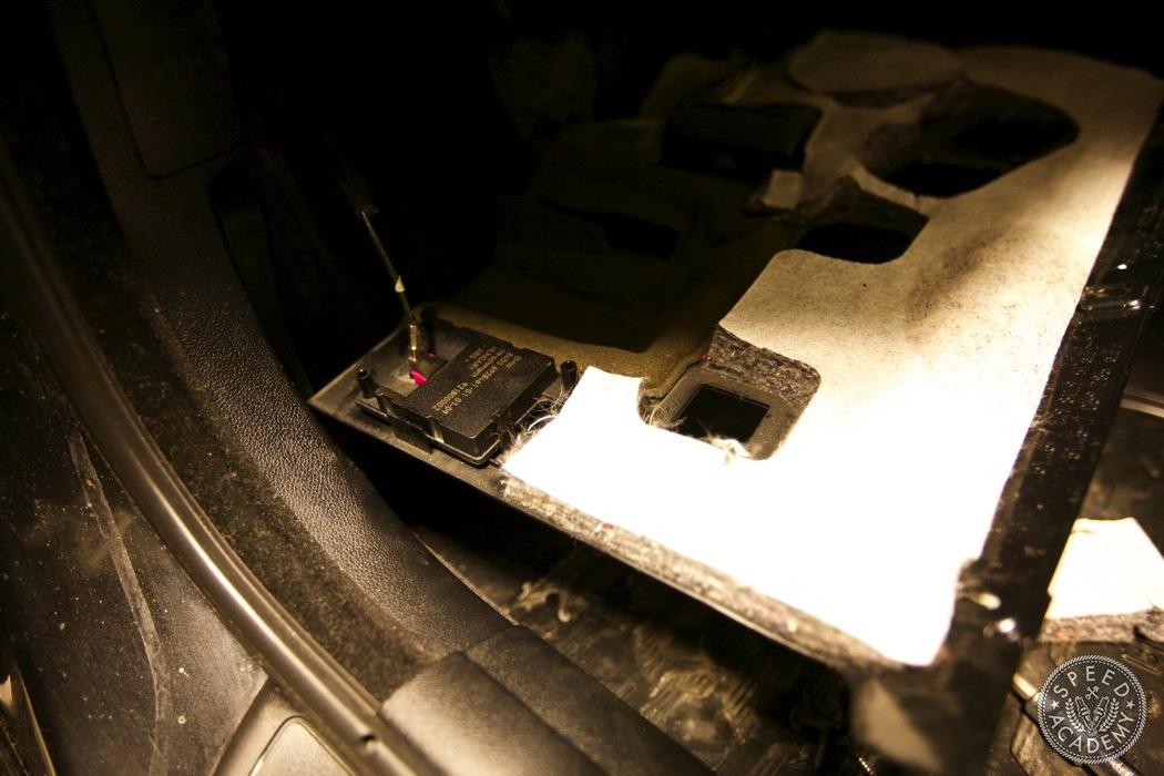 BMW-e90-e92-bluetooth-handsfree-sirius-radio-module036