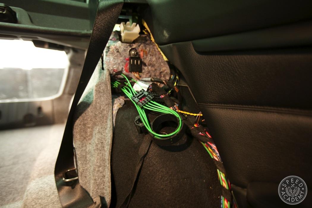 BMW-e90-e92-bluetooth-handsfree-sirius-radio-module060