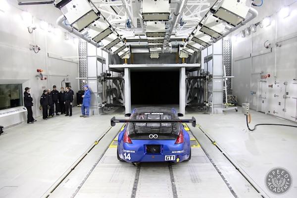 UOIT-Wind-Tunnel-Nissan-350Z-01