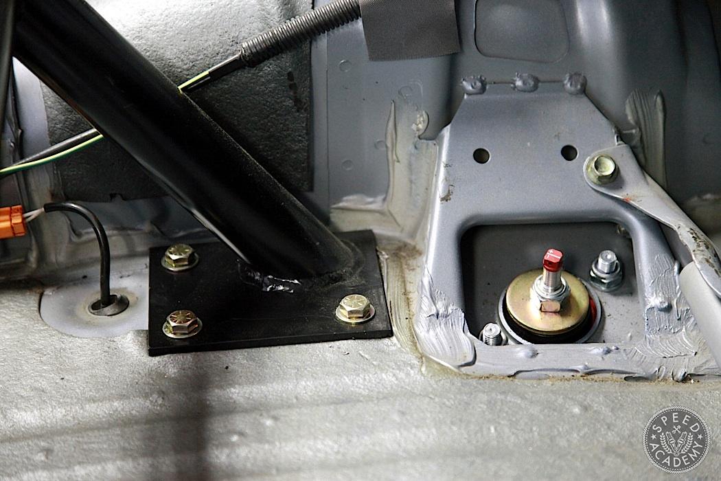 Honda-S2000-Rollbar-Install-12