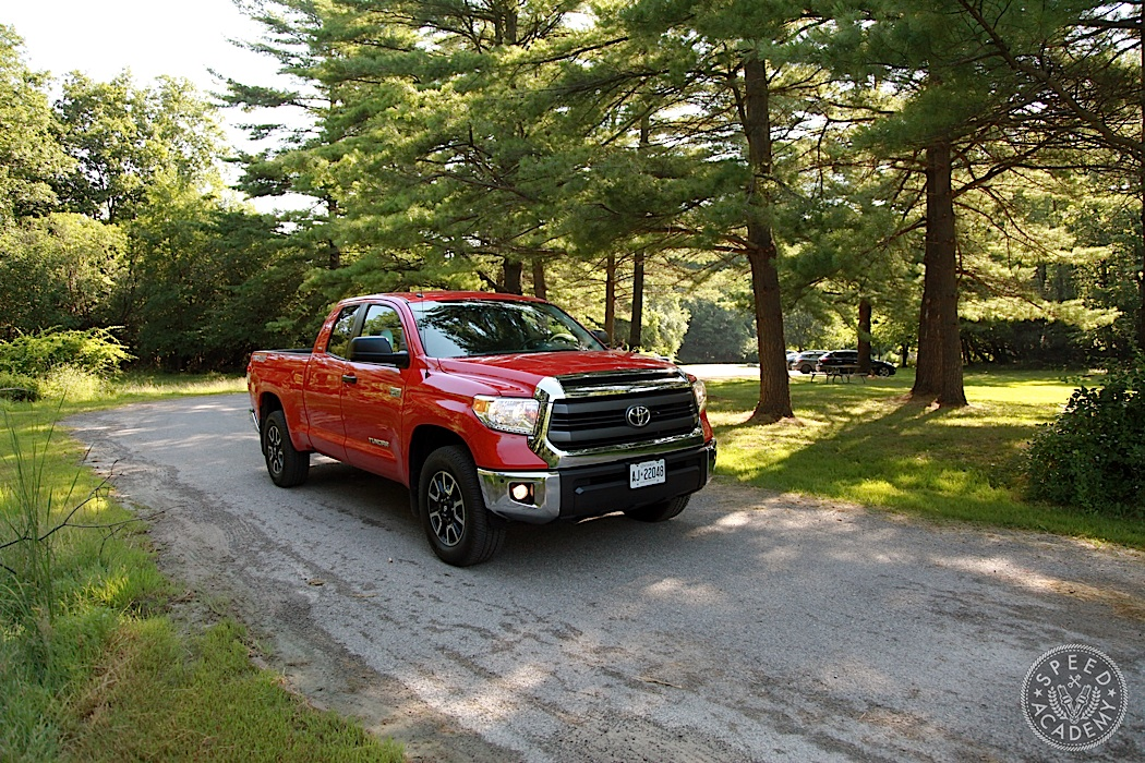 Toyota-Tundra-Review-04