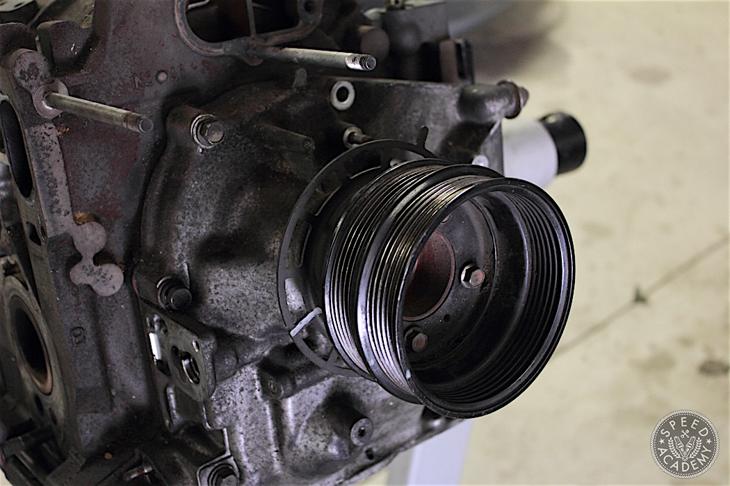 Mazda-RX7-13B-rotary-engine-disassembly-19