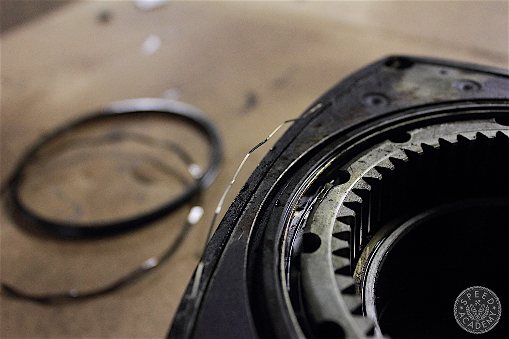 Mazda-RX7-13B-rotary-engine-disassembly-48