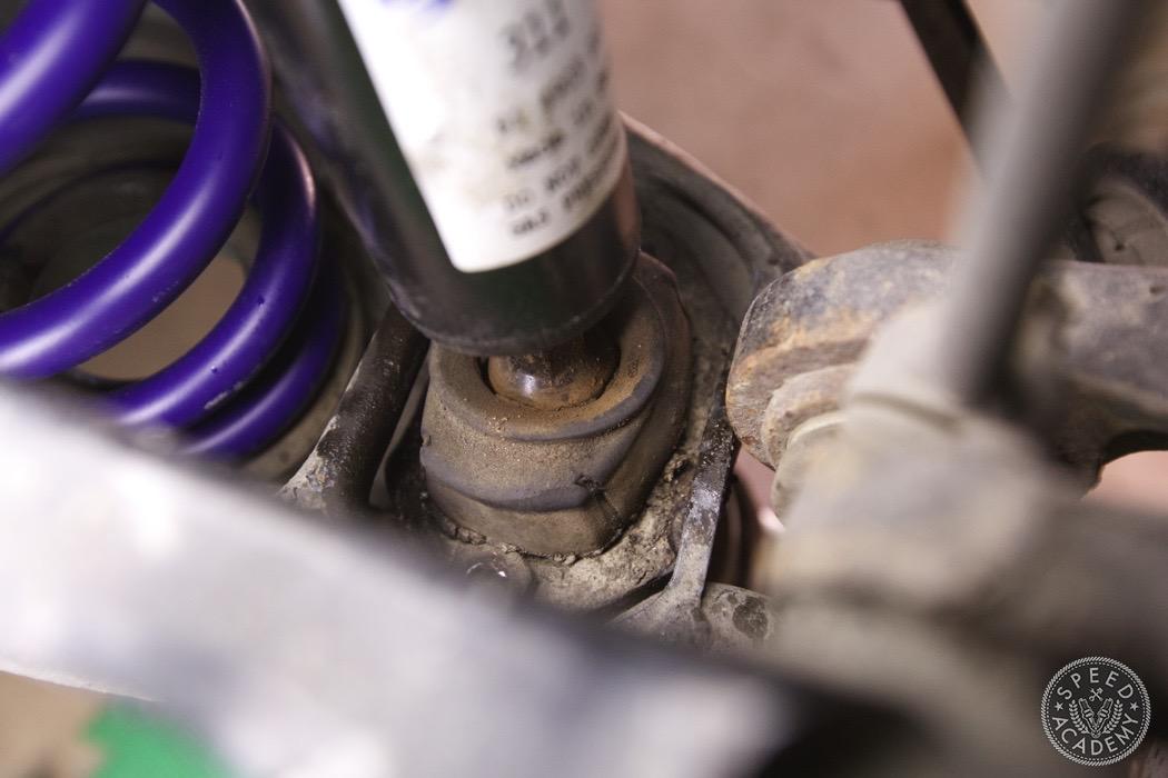bmw-e90-e92-lowering-how-to-install-049