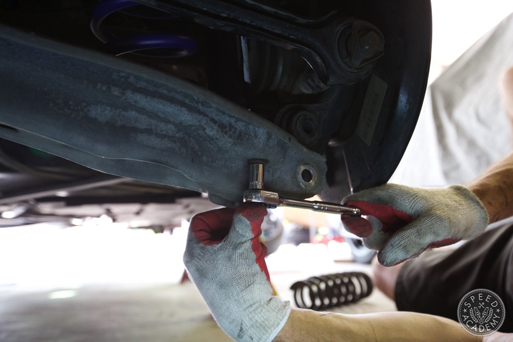 bmw-e90-e92-lowering-how-to-install-050