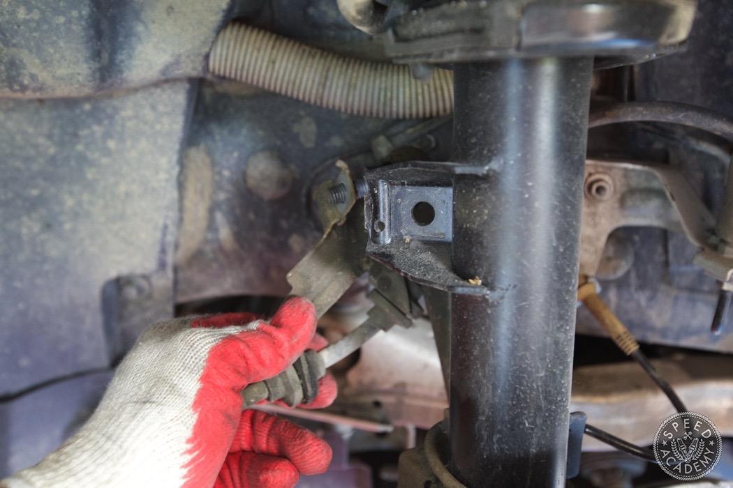 bmw-e90-e92-lowering-how-to-install-076