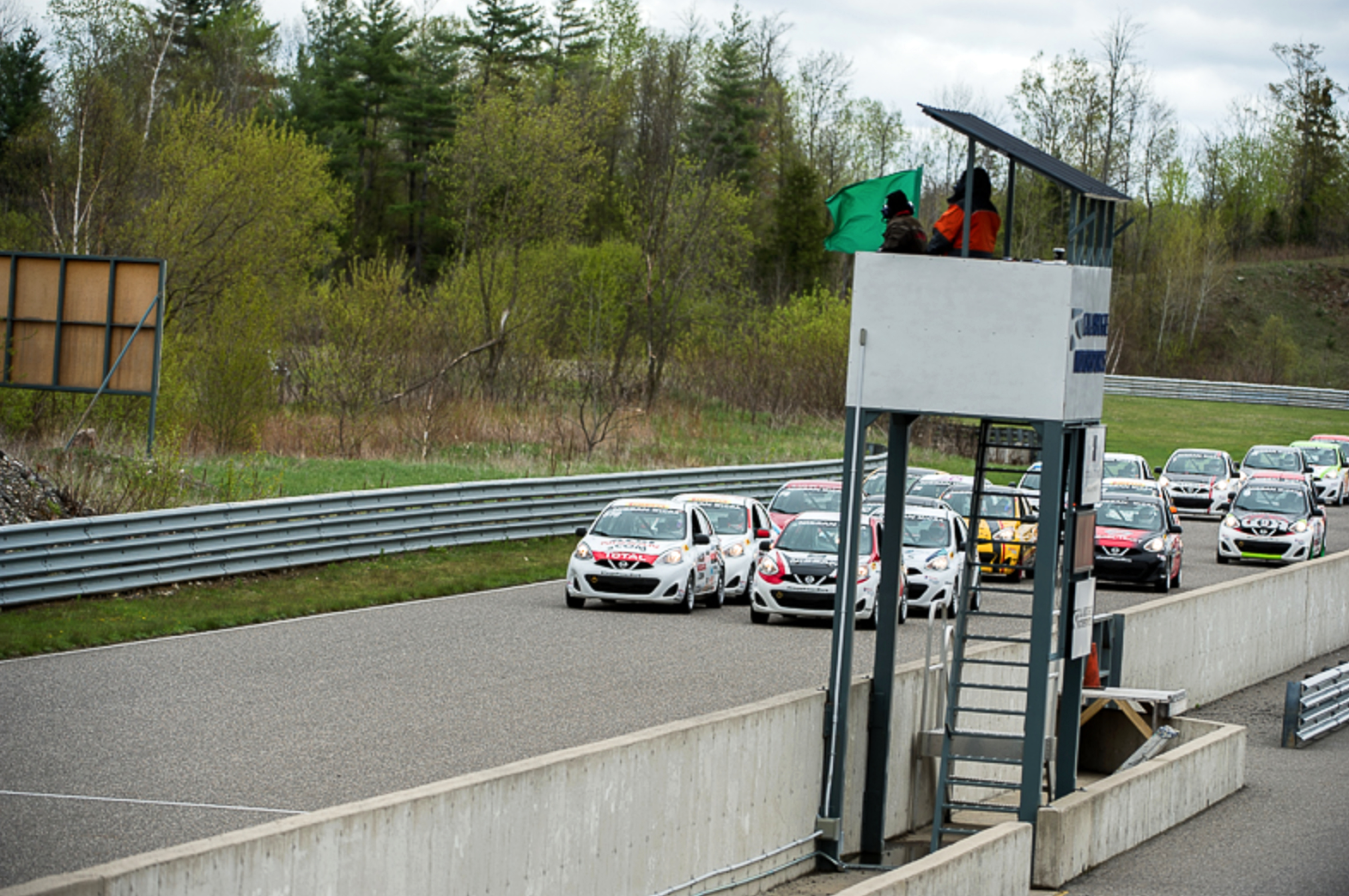 Micra-Cup-Calabogie-Race-Start-01